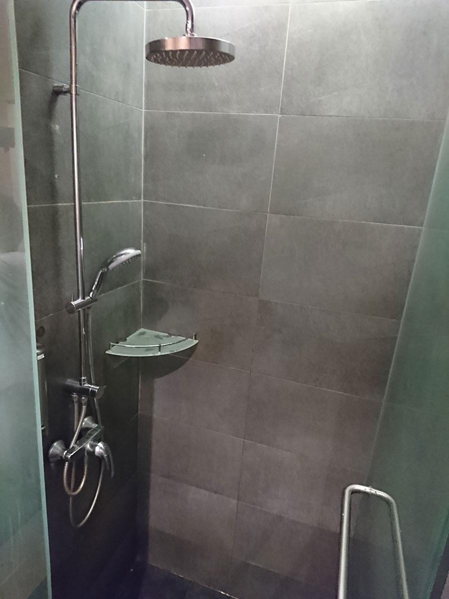 チャンギ空港のラウンジのシャワー